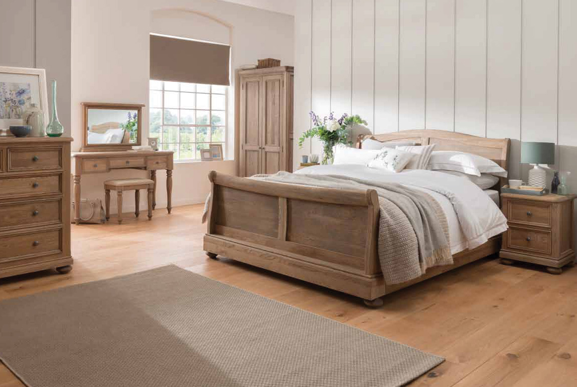 Charmant Hunter Bedroom Set